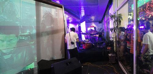 Rhythms of Hanoi - backstage at L'Espace