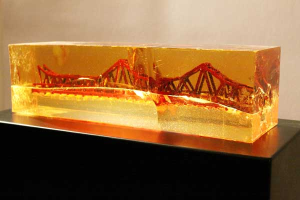 Vuong Van Thao's living fossil of Long Bien bridge