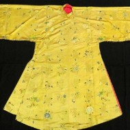 Exhibition Das prachtvolle Gelb läuft über blasse Blätter-feature