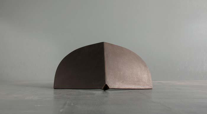 """Lap Phuong, """"Wing"""", Iron, 2014, 44 x 22 x 18 cm"""