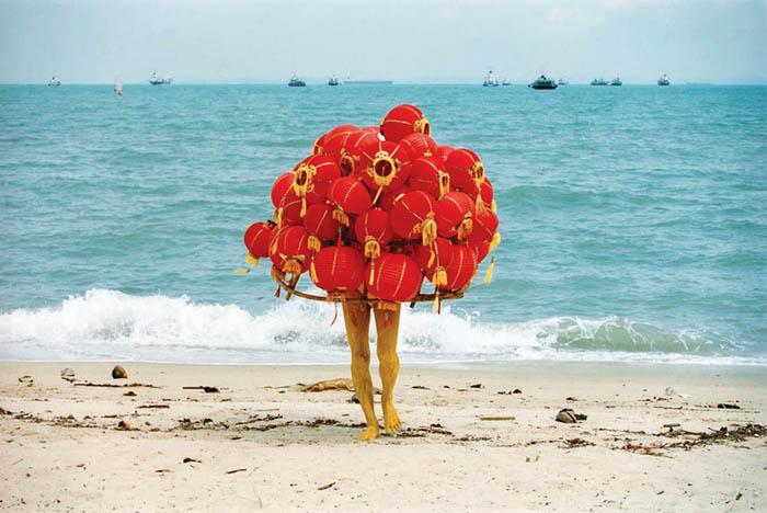 'Strange fruit' (Quả lạ), Lee Wen (Singapore) - một trong những tác phẩm tham dự triển lãm