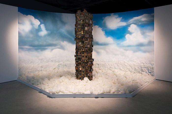 Tác phẩm sắp đặt Chung sống trên thiên đường của nghệ sỹ Nguyễn Mạnh Hùng
